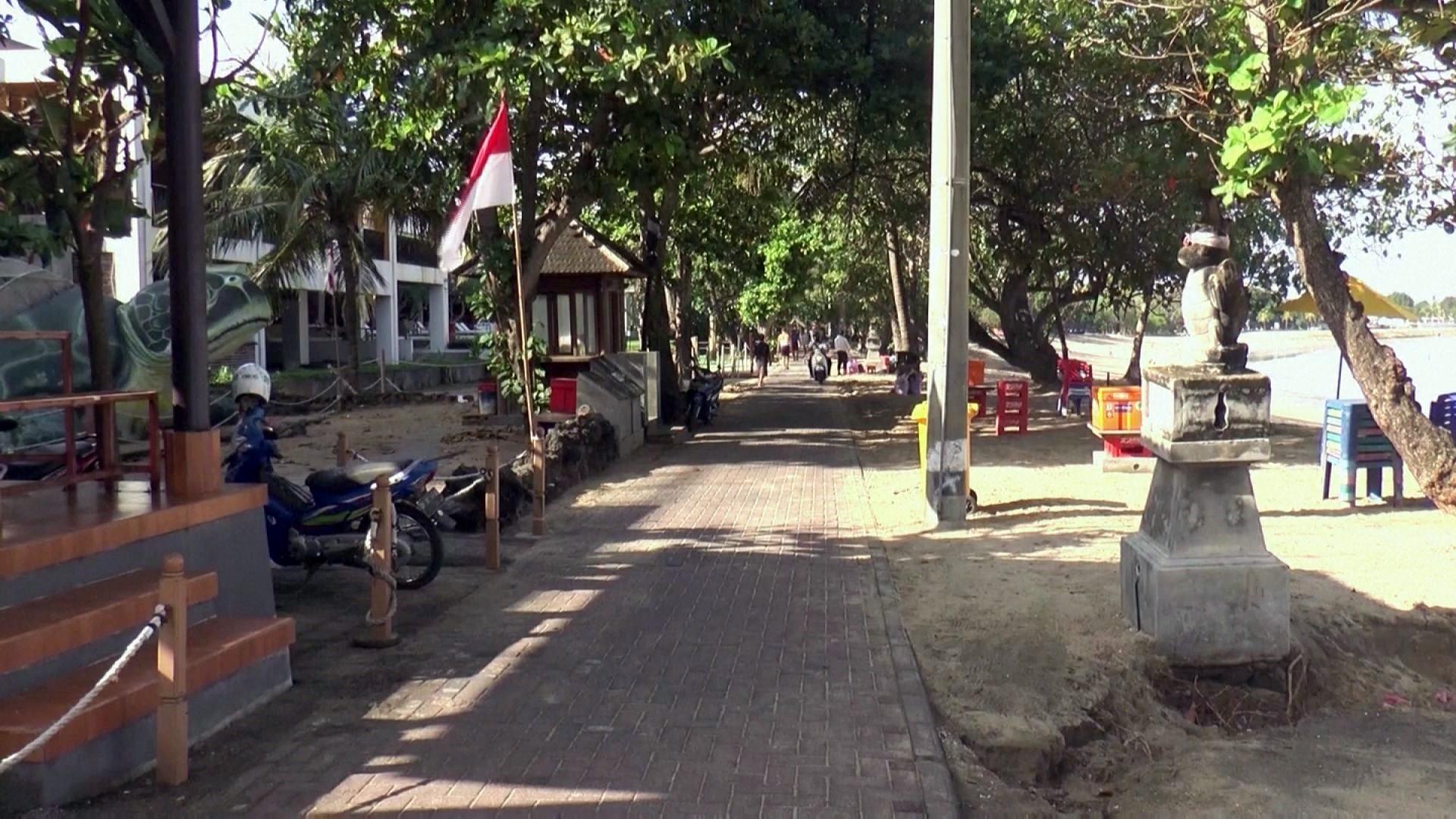 Jika 70% warga telah divaksin, Indonesia buka pintu November
